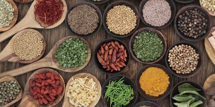 8 Herbs and Spices That Fight