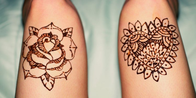 Henna temporary tattoo art of