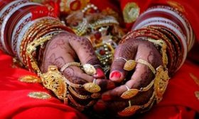 Hand jewelry Indian wedding ceremony