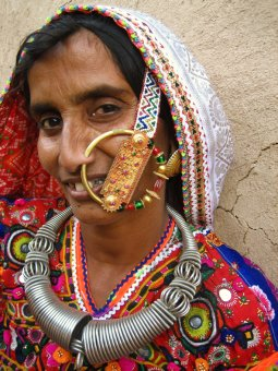 In Megwhal culture, the status of a lady is based on how big the woman nose-ring. (Image: Meena Kadri, Wikimedia)