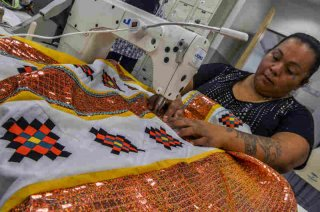 Tammy Billie deals with a personal apparel making use of the woman two favorite colors when you look at the Art and community target July, 24, 2015 at Seminole Tribe of Florida headquarters in Hollywood. There are lots of patchwork competitions among tribal people. It is offered at most tribal fairs, too.